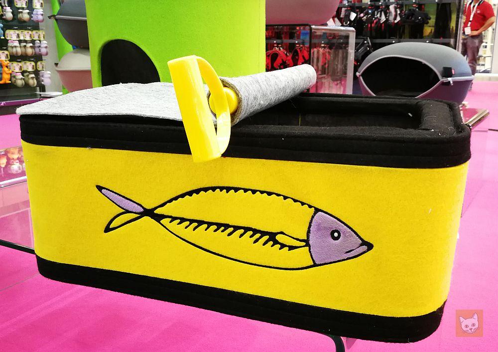 Fischdose als Katzenbett